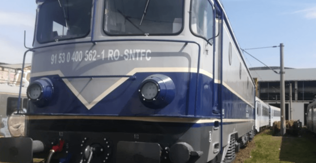 EA 562 the first 5100 KW electric locomotive, fitted with a compressed air plant consisting of an oil-free main compressor and a system for cooling and drying the exhausted air